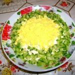 Салат с огурчиками.